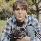 【中川大志インタビュー】エマは犬ではなく、大切な娘です。国宝級イケメンが愛犬のフレンチブルドッグと一緒に登場